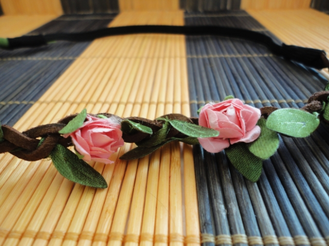 floral headband details