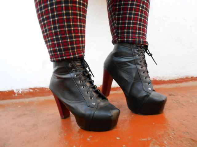 platform ankle boots outfit